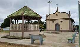 Chaves - Chaves-PA-Coreto e Igreja no centro-Foto:www.chaves.pa