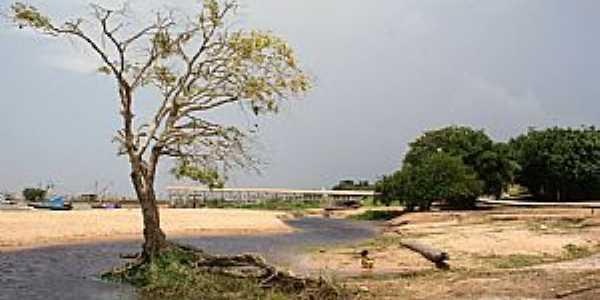 Colares-PA-Praia e o trapiche-Foto:PEDRO PAULO