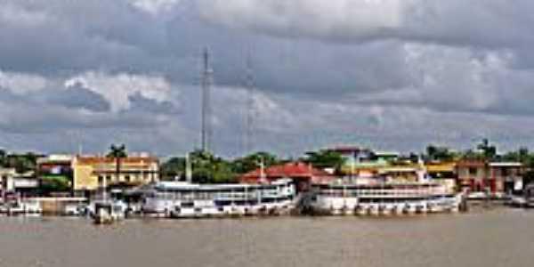 Barcos de passageiros em Curralinho-PA-Foto:Heraldo Amoras