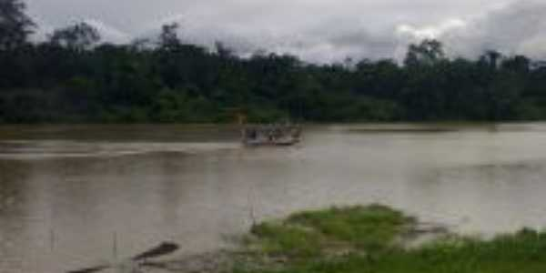 Barquinho no Rio Tauá, Por Márcia Cristina
