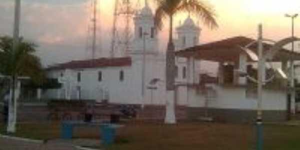 praça da igreja matriz, Por Cris Pinheiro