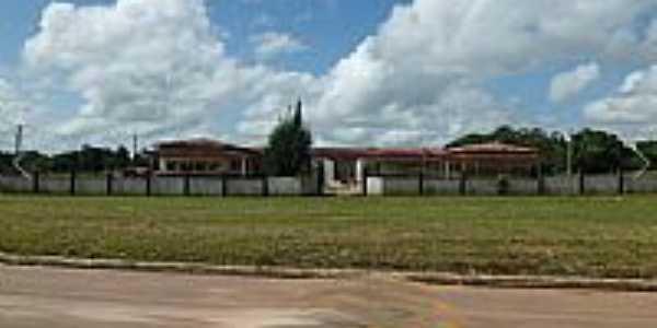 Praça e Escola em Jambuaçu-PA-Foto:jambuaçu.comunidades.