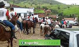 Caiubi - Caiubi-BA-Cavalgada passando por Caiubi-Foto:itapebiacontece.