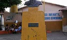Marab� - Marab�-PA-Busto do fundador da cidade,Francisco Coelho-Foto:Nando Cunha