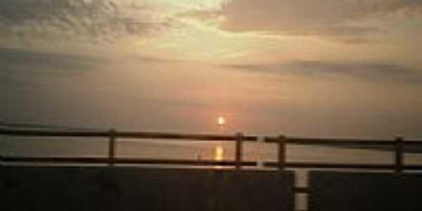 Nascer do Sol visto da Ponte sobre o Rio Guamá em Marituba-PA-Foto:Carlos Fernando Mace…