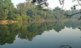 Novo Progresso - Águas tranquilas do Rio Jamanxim em Novo Progresso-PA-Foto:ZeRepolho