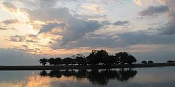 Lago Cachoeiry - Oriximiná - PA Andreia Maciel