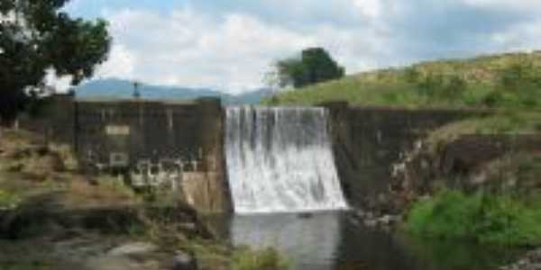 Barragem - Estrada Camacan-Jacarecy, Por Esron Nô