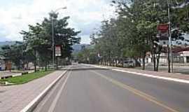 Parauapebas - Avenida arborizada em Parauapebas-Foto:Maxuser