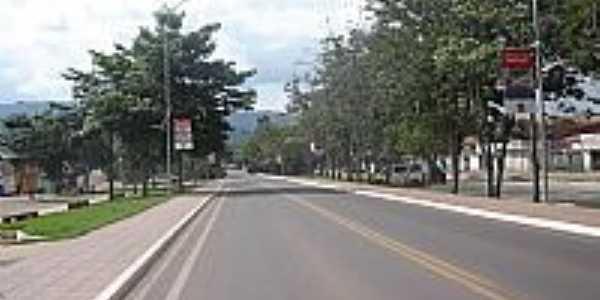 Avenida arborizada em Parauapebas-Foto:Maxuser