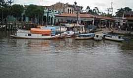 Ponta de Pedras - Embarcações na orla da cidade de Ponta de Pedras-PA-Foto:Carlos Fernando Mace…