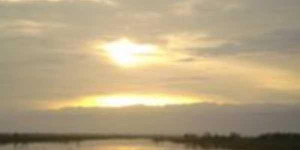 Amanhecer no Lago Ararí, Por Áurea Pamplona