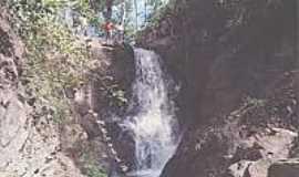 Santana do Araguaia - Cachoeira-Foto:santanadoaraguaia.