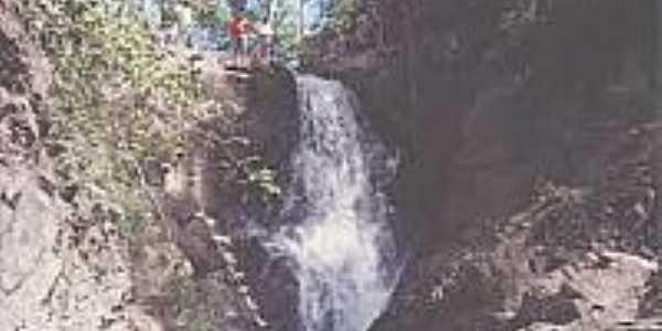 Cachoeira-Foto:santanadoaraguaia.