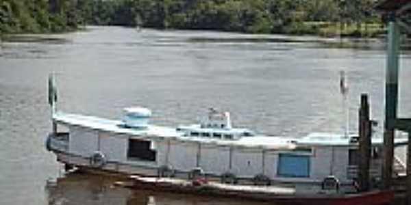 Barco no Porto do Rio Guamá em São Miguel do Guamá-PA-Foto:PEDRO PAULO