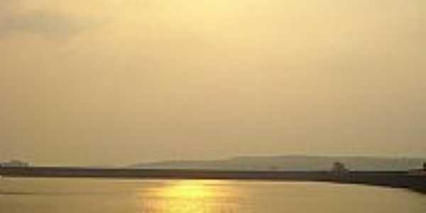Vista ao pôr do sol da Barragem de Tucuruí-Foto:Maverick75