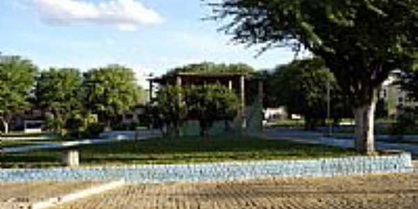 Coreto na Praça central em Canarana-BA-Foto:Paulo Ney