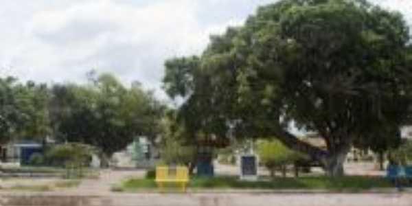 Praça Principal, Por R. Vasconcelos