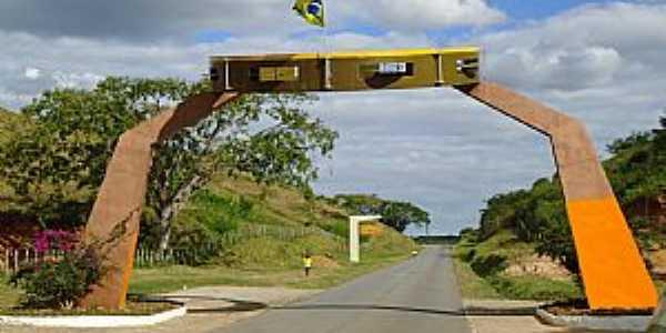 Alagoa Grande-PB-Pórtico de entrada em homenagem à  Jackson do Pandeiro-Foto:www.paraibadebate.