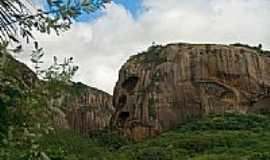 Araruna - Pedra da Caveira em Araruna-PB-Foto:thyrone