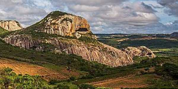 Parque Estadual de Pedra da Boca - Foto: Carla Belke.