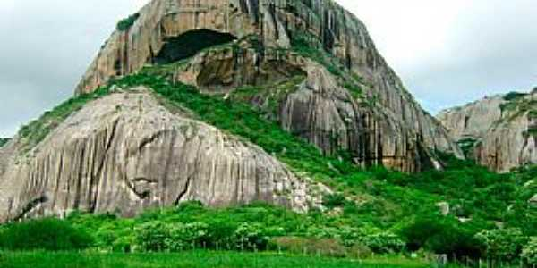Pedra da Boca - em Araruna - PB