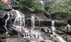 Bananeiras - Cachoeira do Roncador - PB, Localizada entre os municípios de Pirpirituba e Bananeiras