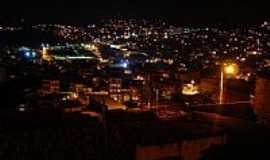 Candeias - Vista noturna de Candeias-BA-Foto:maikon_afonso