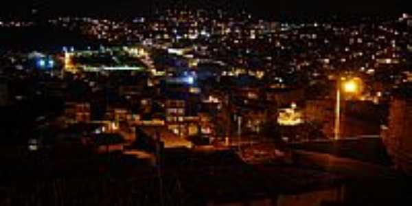 Vista noturna de Candeias-BA-Foto:maikon_afonso
