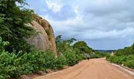 Cacimbas - Cacimbas-PB-Montaria em Jegue no Estradão-Foto:Rafael José Rorato