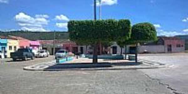Cacimbas-PB-Praça no centro da cidade-Foto:connhecer.tur.br
