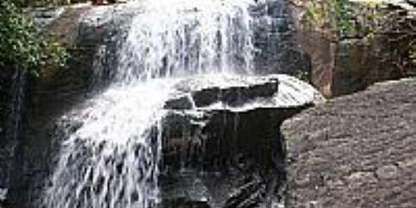 Cachoeira de Mãe Luzia