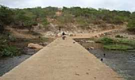 Cansan��o - Passagem sobre o Rio Itapicuru em Cansan��o-BA-Foto:Maxuel S. Ribeiro