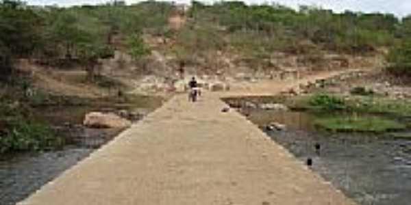 Passagem sobre o Rio Itapicuru em Cansan��o-BA-Foto:Maxuel S. Ribeiro