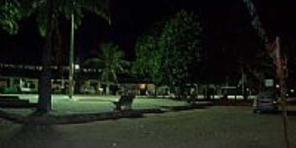 Visão noturna da praça em Forte Velho-PB-Foto:UHBPB