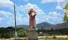 Guarabira - Guarabira-PB-Imagem de Frei Dami�o na entrada da cidade-Foto:JulioValle