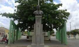 Itabaiana - busto de epitácio pessoa, nome dado a essa praça. foto arquivo nivaldo nas trilhas, Por nivaldo nas trilhas de itabaiana pb.