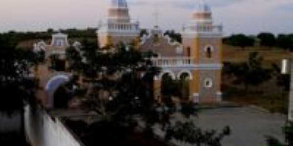 Mosteiro, Por Laurilúcia Valentim