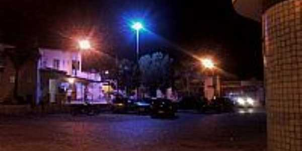 Praça Antônio Dionísio de Oliveira em Capela do Alto Alegre-BA-Foto:joci de capela