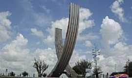 Capim Grosso - Monumento na entrada de Capim Grosso-BA-Foto:lucival