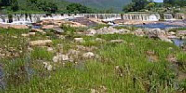 Cachoeira do Rio da Barra em Caraguataí-BA-Foto:verlansp