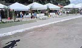Caraípe - Praça na Vila de Caraípe-BA-Foto:ptsaofelipe.