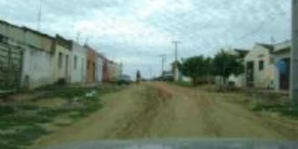 rua de terra em Pindurão, Por Ana