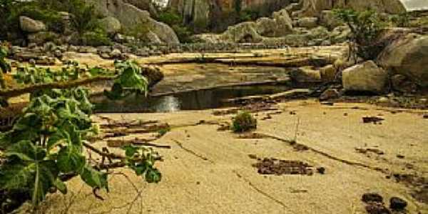 Lagoa da Serra - Serra do Padre Bento - Pocinhos-PB Foto: Francisco Gomes