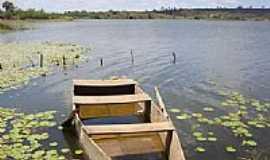 Princesa Isabel - Velho barco no Açude Jatobá em Princesa Isabel-Foto:Alessandro Bezerra A…