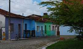Caravelas - Caravelas-BA-Casario e praça no centro-Foto:Antonio Sonsin
