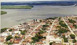 Caravelas - Caravelas-BA-Vista aérea do centro histórico e o Rio Caravelas-Foto:farolparaabrolhos.blogspot.com
