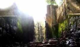 Rio Tinto - Cachoeiras primitivas, Por José Medeiros de Lima