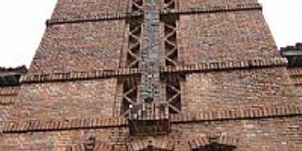 Torre da Igreja Matriz de Santa Rita de Cássia em Rio Tinto-PB-Foto:ppedrofreitas