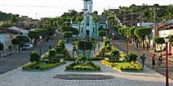 Praça e Igreja-Foto:zélaurentino